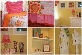 pink and orange bedspread