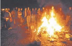 שס'ה  MIZWOT – Verbote 60 bis 66 Book_burning_penn