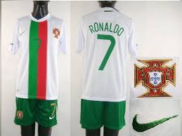 cristiano ronaldo black jersey