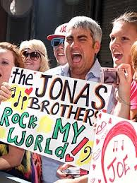 jonas brothers fan