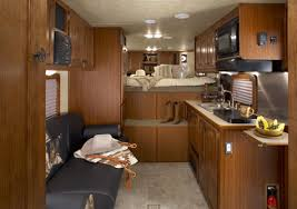horse trailers with living quarters