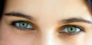 eyeliner green eyes