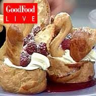 choux pastry swans
