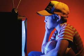 د.عبد الهادى مصباح يكتب: إدمان التلفزيون وتأثيره على الصحة والمزاج
