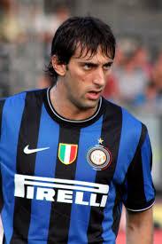 Diego Milito menjadi andalan Inter Milan untuk menembus pertahanan Bayern Munchen