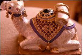 camel figurines