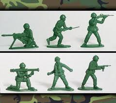 green plastic soldiers