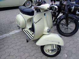 piaggio vespa scooters