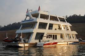 biggest houseboat