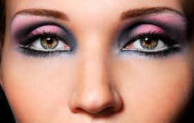 how to make up green eyes