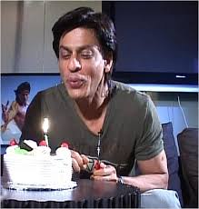 http://t0.gstatic.com/images?q=tbn:2wQEjCC3go58sM:http://www.gobollywood.com/pictures/srk-birthday.jpg&t=1
