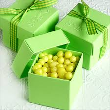 green favor box