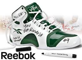 lakers basketball shoes