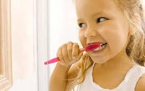children brush teeth