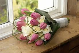 wedding bouquets with tulips