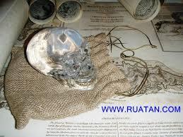 indiana jones crystal skull replica