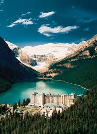chateau lake louise pictures