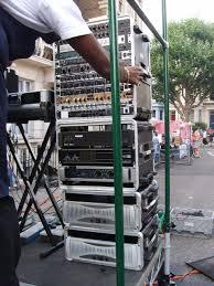 phonic amps