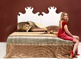 decorate bed