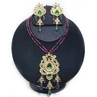 kundan gold jewellery