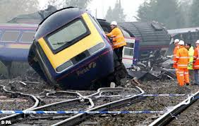 pictures of train crashes