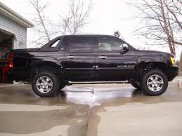 lifted chevy avalanches