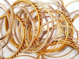 gold jewelry picture