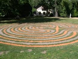 labyrinth patterns