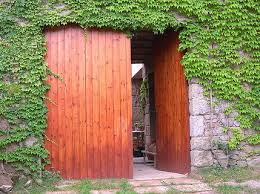 picture of open door