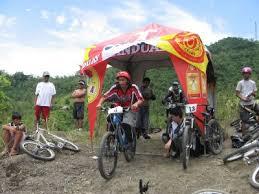 downhill mountain bike races