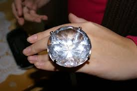 biggest diamond ring in the world