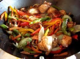 wok cuisine wok de poulet ร ปถ ายของ le bistrot de philippe s เส ยมราฐ