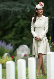 duchess kate wears plastic hair clips like a regular human today com