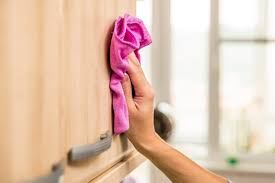 How To Clean Kitchen Wood Cabinets How To Clean Grime Off Kitchen Cabinets Everdayentropy Com