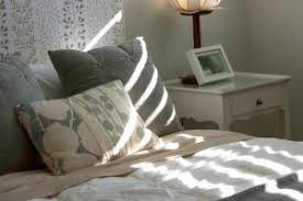 choosing a bedroom paint color based on the light