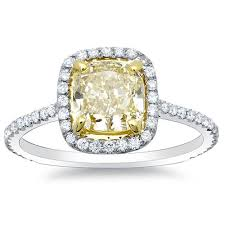 canary engagement ring 1 67 ct canary fancy light fancy yellow cushion cut