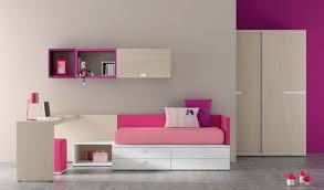 meuble chambre d enfant 40 idées pour une chambre d enfant peinte en couleurs vives