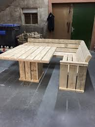 Making A Basic End Table by 25 Best Pallet Tables Ideas On Pinterest Pallet Coffee Tables