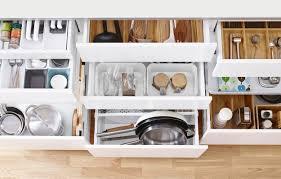 tiroir de cuisine ikea un rangement optimisé avec les organiseurs de cuisine