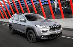 jeep trailhawk lifted jeep grand cherokee trailhawk confirmed for australia