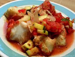 cuisiner filet de cabillaud filet de cabillaud aux tomates et courgettes les poissons en filets