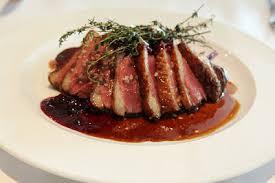 comment cuisiner magret de canard the menu magret de canard or lou magret duck
