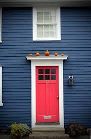 blue house white trim front door i ve always wanted my future home to be navy but now that i see it