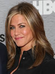 how to cut your own hair like suzanne somers jennifer aniston s hairstylist chris mcmillan s summer hair hacks