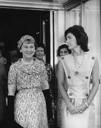 jaqueline kennedy ar7316 a mamie eisenhower arrives for first lady jacqueline