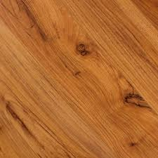 Columbia Flooring Laminate A Rustic Look With Authentic Grains And Knots Alloc Elite Caramel