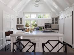 small minimalist and high vaulted ceiling kitchen design with all