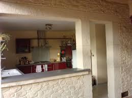 cuisine mur salle de bain avec mur en enduit salle de bain