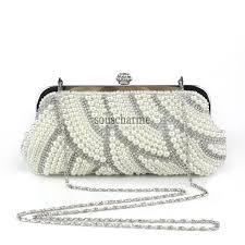 sac mariage pochette mariage blanche recouverte de perles raffinées et strass