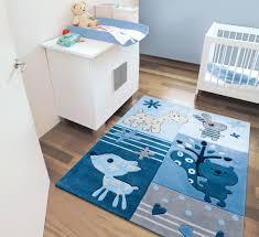 chambre bébé bleu tapis chambre bebe bleu idées décoration intérieure farik us
